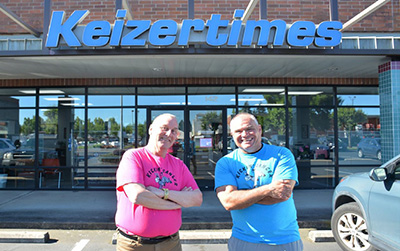 Lyndon Zaitz and Baron in front of Keizertimes